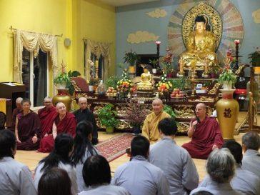 Tăng Già Đức và Phật Tử Việt Nam tại Ravensburg trao đổi Phật Pháp